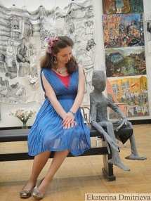 Ekaterina Dmitrieva with Spirit of Memory at the exhibition In Moscow